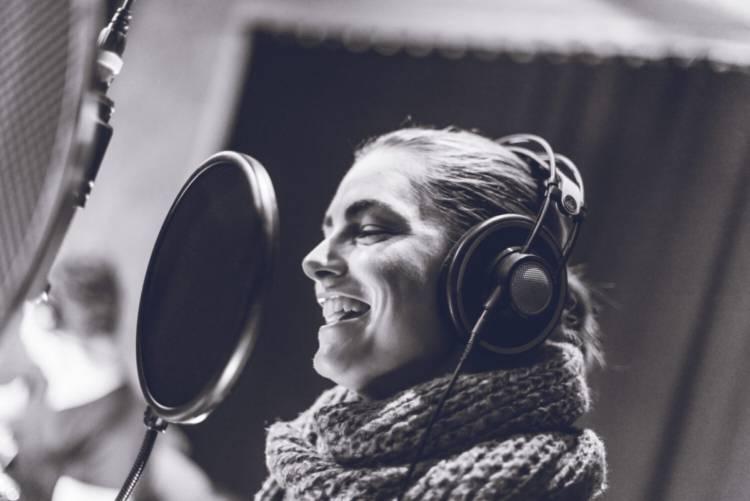 Galeriebild-LauraMileci-laura-vocals